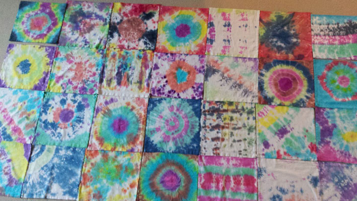 Tie Dying Dilly Bags